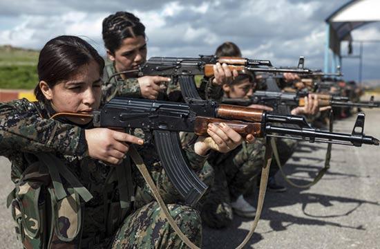 对抗极端武装库尔德娘子军写照