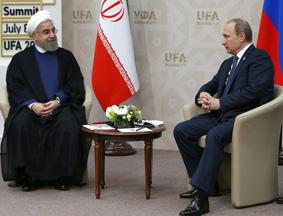"""普京""""金砖峰会""""间隙与伊朗总统鲁哈尼会谈"""