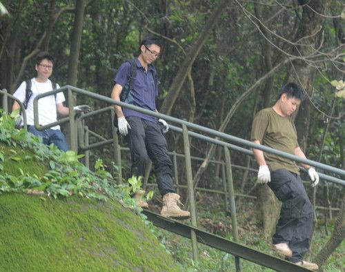 香港3名匪徒蒙面持刀劫豪宅 抢7万港币财物逃逸
