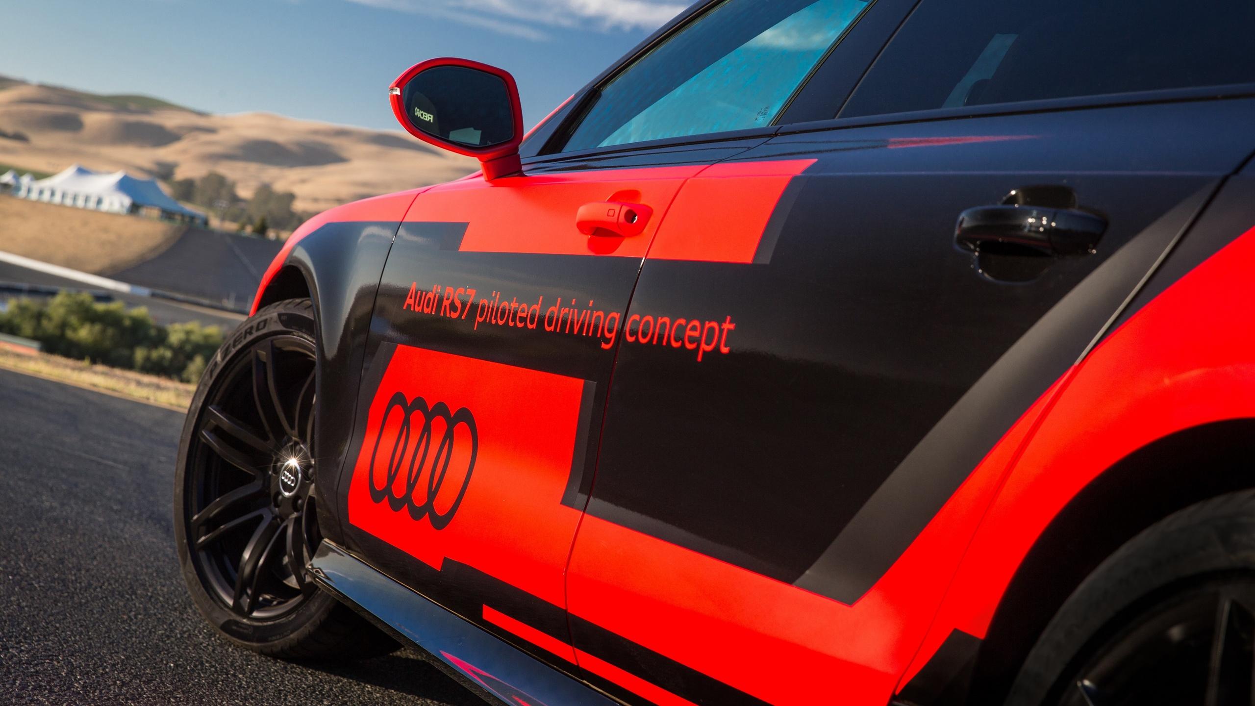 奥迪rs 7无人驾驶车减重400kg 创速度纪录高清图片