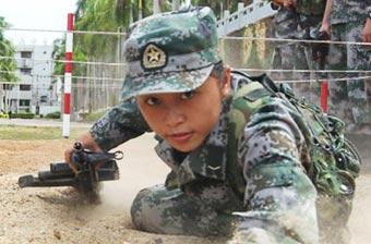 三沙市首位女兵为征兵代言