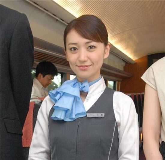 大岛优子出席新电影《romance》宣传活动