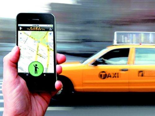 打车软件叫来女司机:8公里熄火5次+闯红灯