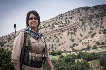 库尔德女兵大山里受训以迎战IS