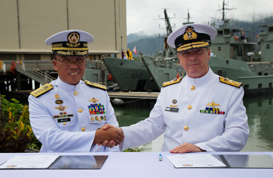澳军向菲律宾2艘退役登陆舰