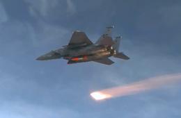 美军F-15测试新型战术核弹全过程