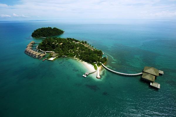澳洲夫妇只花1.5万美元 买个小岛开酒店