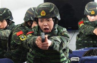 解放军女兵如何撑起半片天?