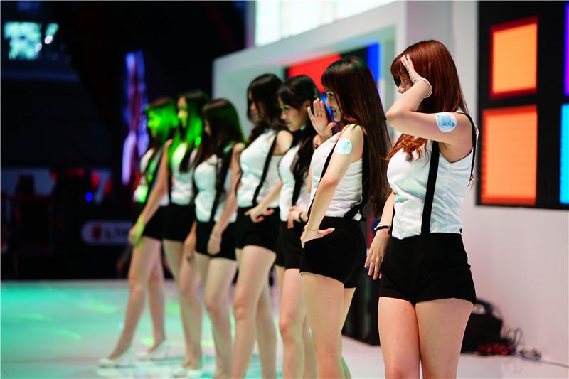2015ChinaJoy支付宝展台showgirl图集