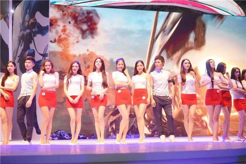 青春动感 2015ChinaJoy盛大展台ShowGirl图赏