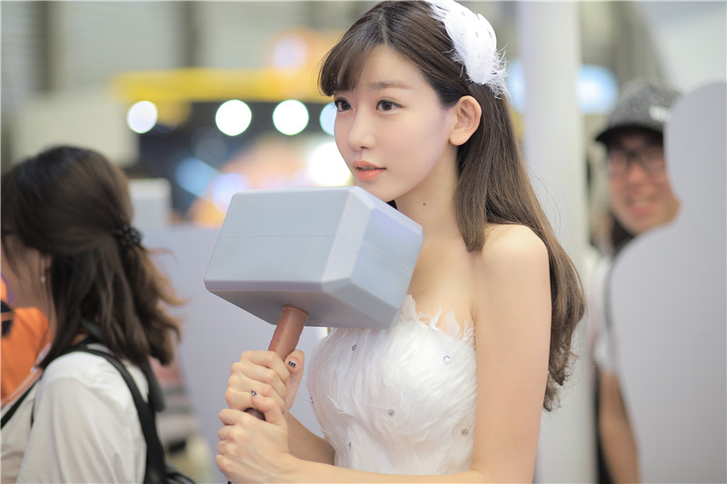ChinaJoy最美女雷神 陈潇站台雷神展区气场足