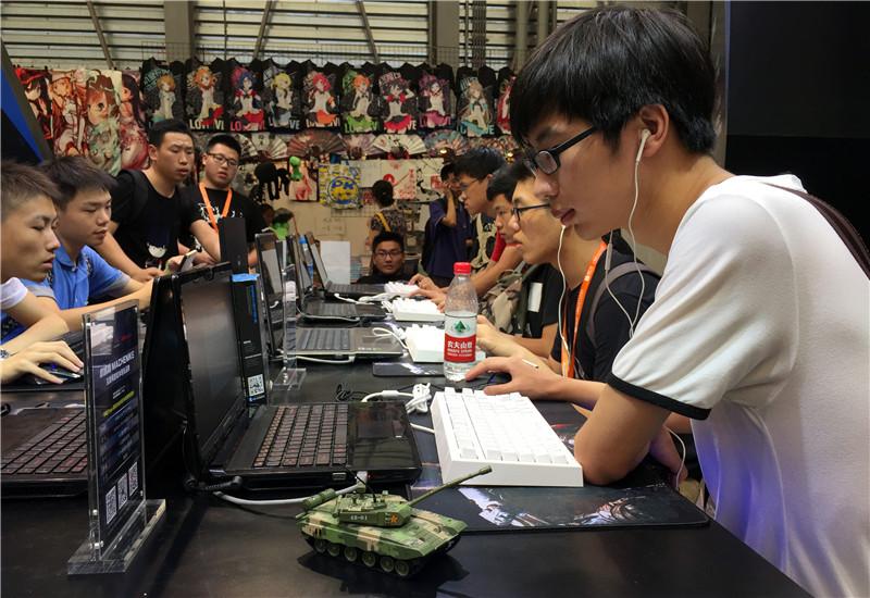 """史上最轻薄游戏本""""机械师""""ChinaJoy现场探营"""