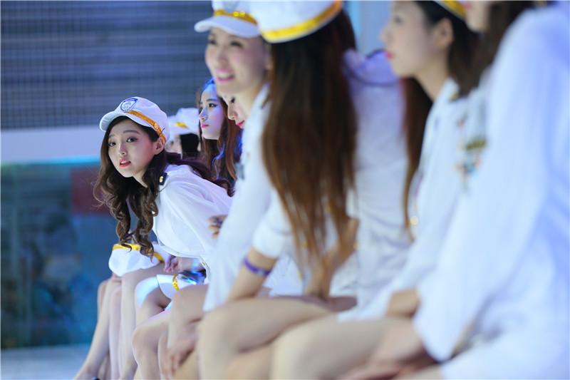 探营2015ChinaJoy 应用宝ShowGirl颜值秒杀全场