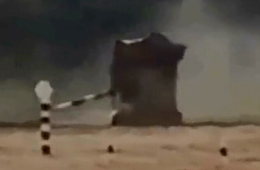 俄坦克大赛上T-72坦克发生侧翻事故