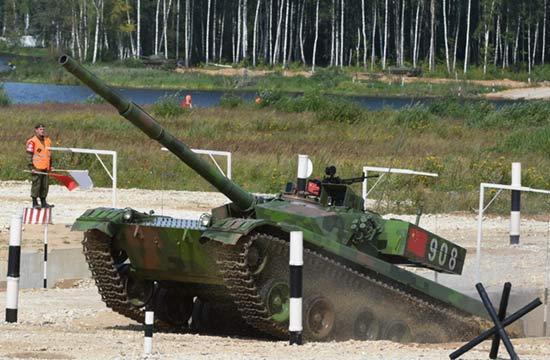 """""""坦克两项""""竞赛中国96A坦克登场"""