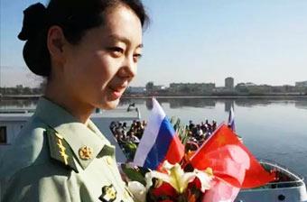 中国高颜值边防女警察亮相
