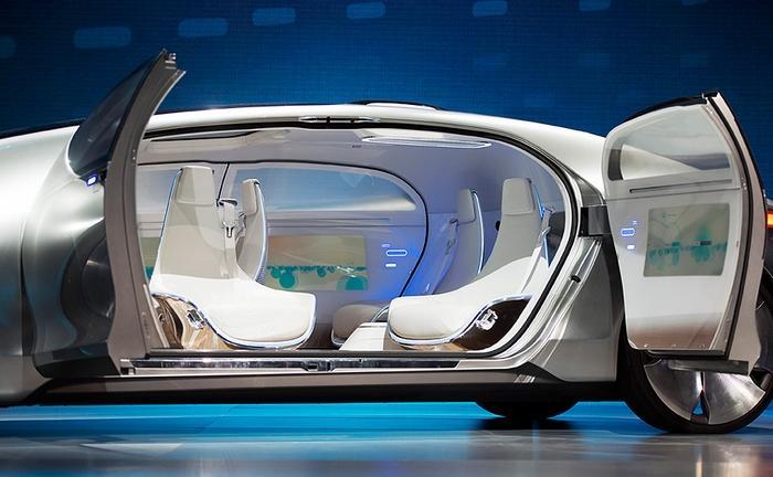 福特无人驾驶专利获批 座舱瞬间变休息室