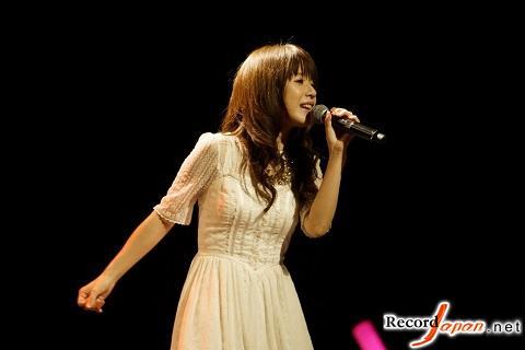 日本歌星藤田麻衣子举办上海演唱会受粉丝热捧