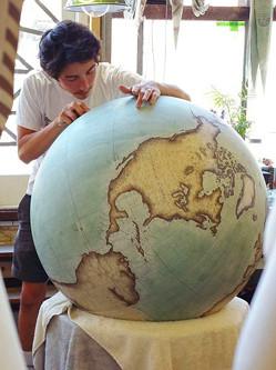 英工作室纯手工打造精美地球仪