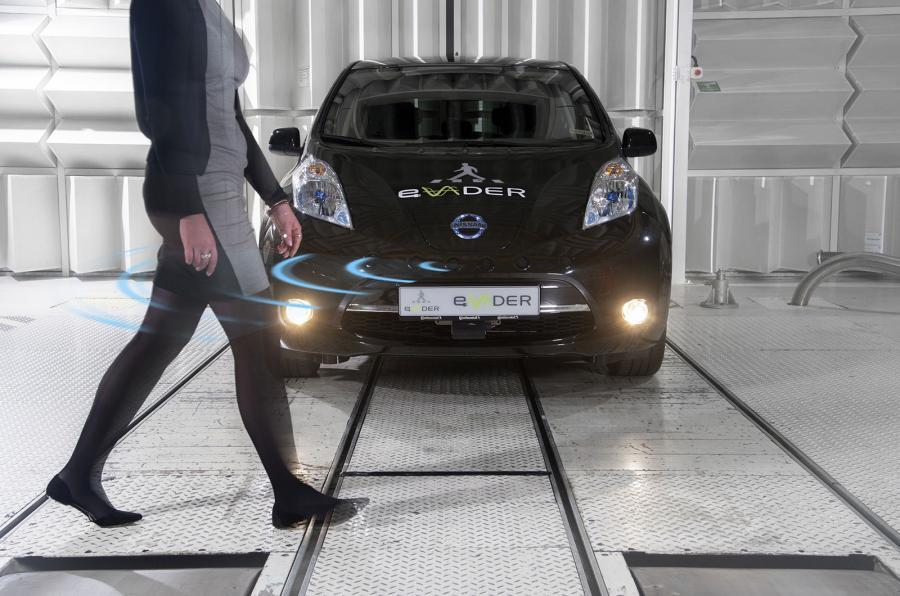 法国车企联手日产 研发电动汽车行人提示系统