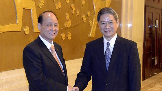 张志军会见台湾海基会董事长林中森
