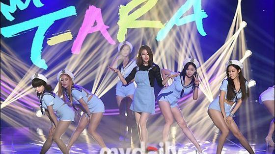王思聪最爱韩团T-ara水手服热舞 大秀身段