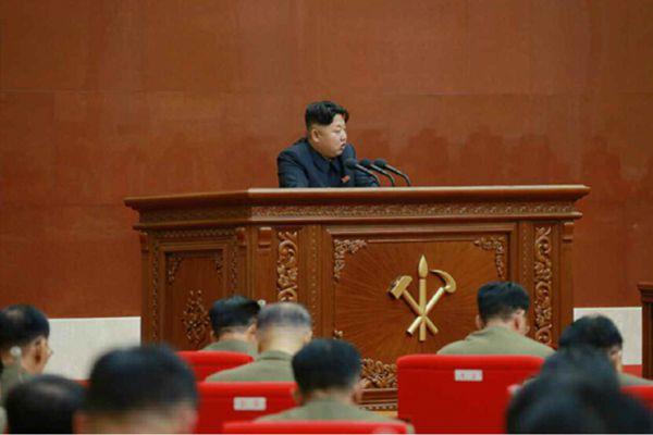 金正恩主持中央军委扩大会议 就朝韩协议表态