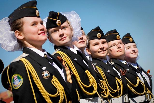 各国阅兵场上的飒爽女兵