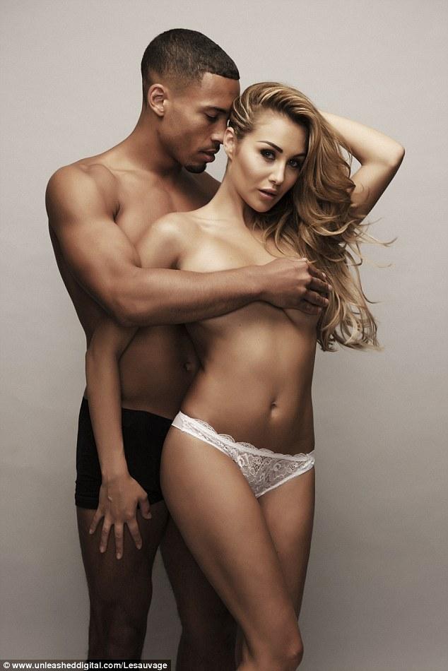 嫩模克洛伊·古德曼与男友乔丹·克拉克拍性感写真