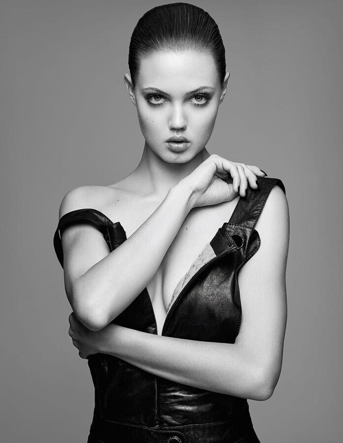 美超模琳赛•威克森席卷时尚界 真人娃娃来势汹汹
