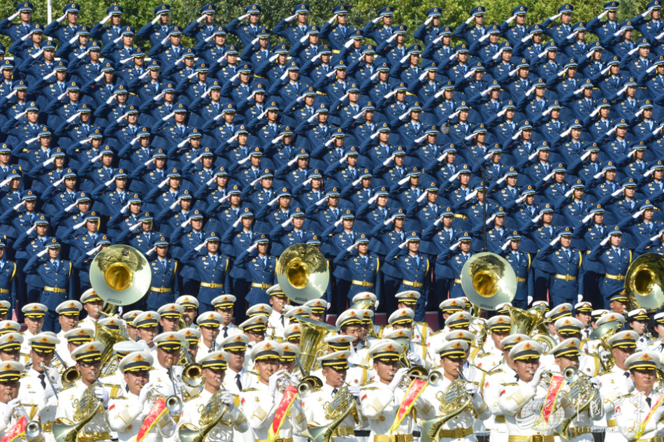 300空军蓝参加阅兵千人合唱团