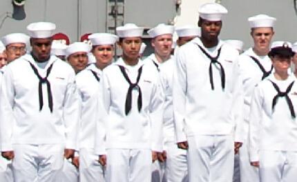 美军核航母启程赴日本 水兵如上刑场