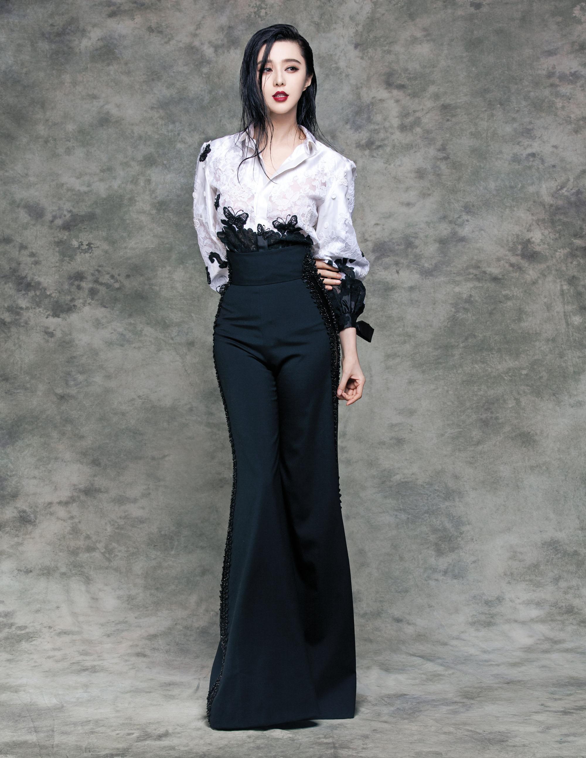 范冰冰登台湾Vogue封面 金九刊演绎玲珑多面