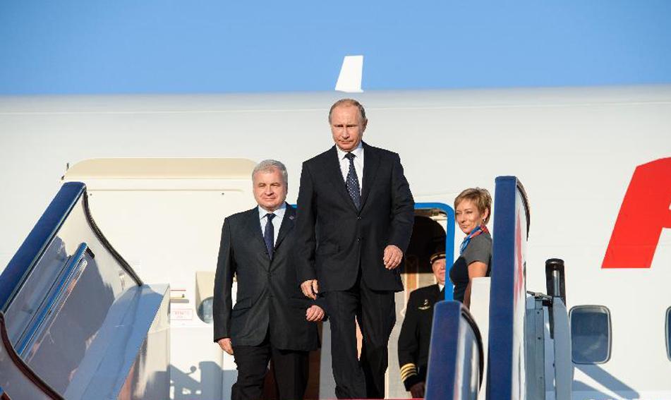 9月2日,来华出席中国人民抗日战争暨世界反法西斯战争胜利70周年纪念活动的俄罗斯总统普京抵达北京首都国际机场。