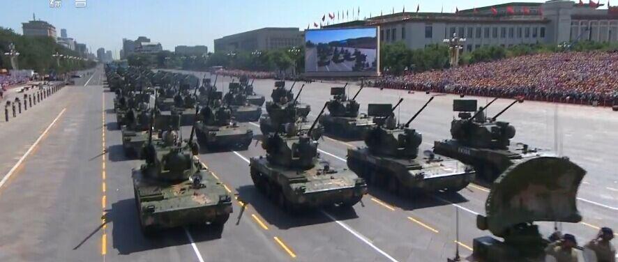 在第十受阅装备方队的双35自行高炮是我国新一代35mm自行高炮,主要负担部队野战防空。