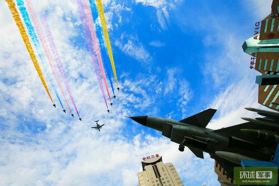 阅兵飞机全部由中航工业造 参阅规模创历史之最