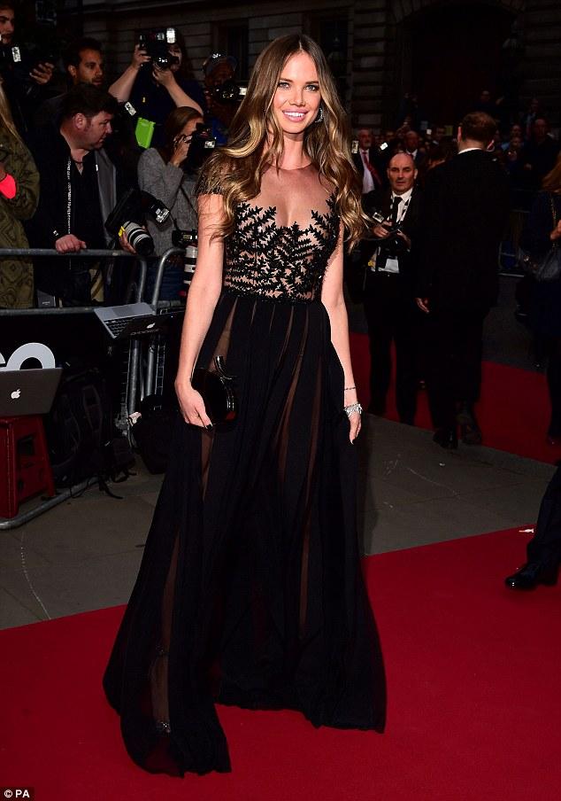 裘德·洛前模特女友艾莉西亚·朗崔出席GQ 年度颁奖典礼