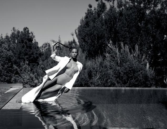 碧昂斯性感登《Flaunt》杂志封面