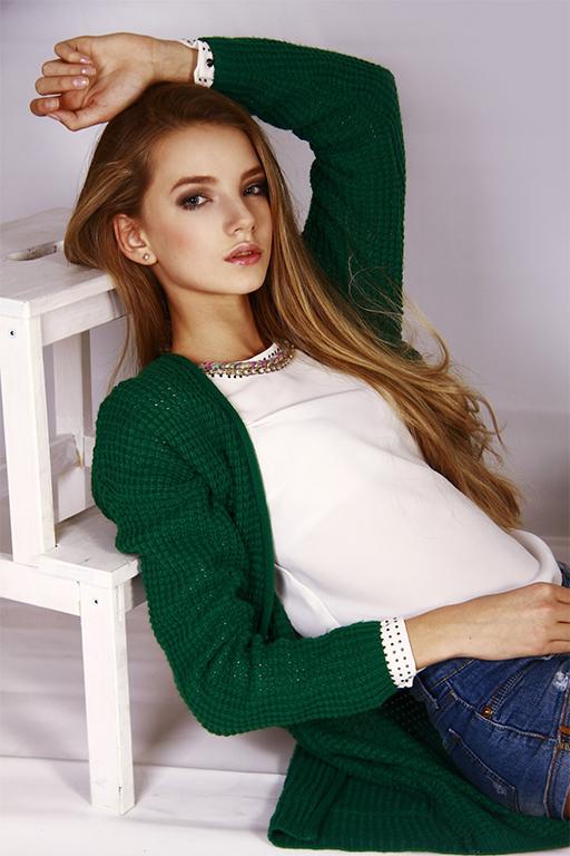 俄13岁美少女成日本知名服装品牌代言人 社会