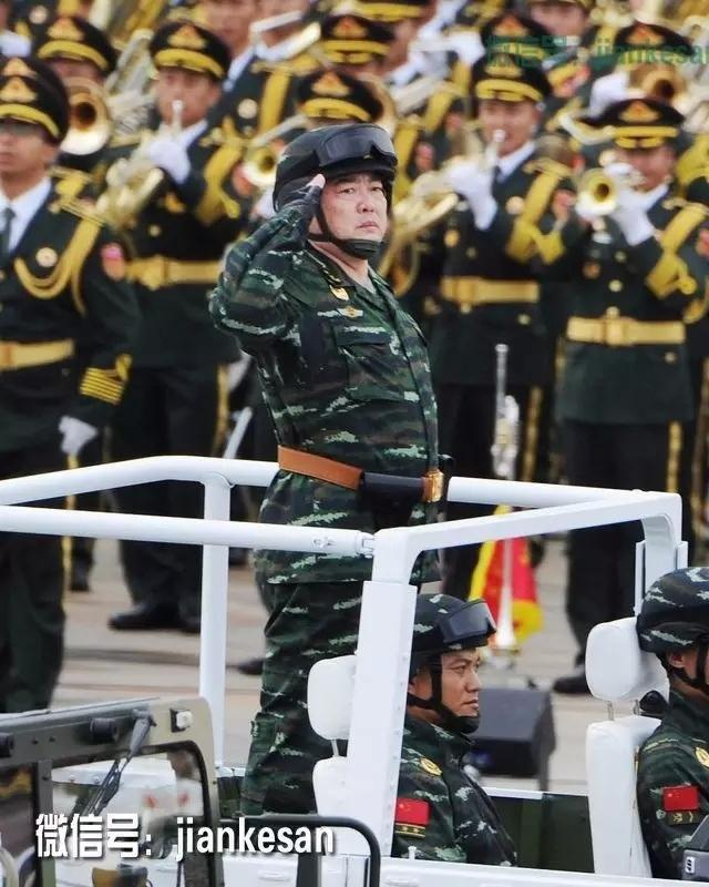 潘昌杰中将,历任武警部队司令部训练部副部长、训练部部长,后升图片