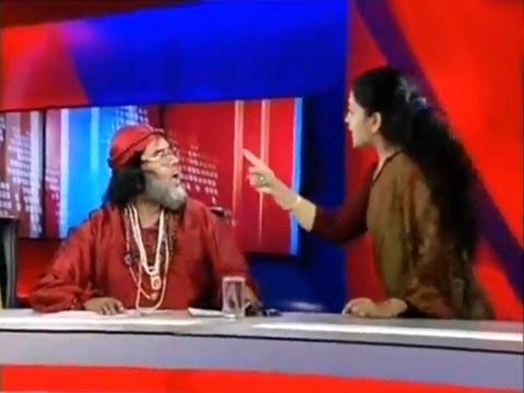 印度电视节目男女嘉宾现场争吵互殴被直播