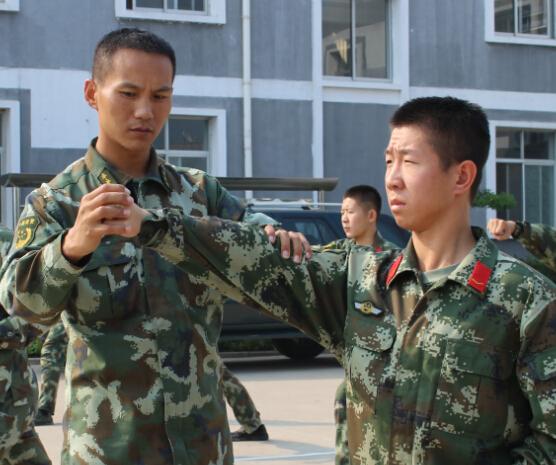 武警北京总队某部中队长袁振掌的责任与担当