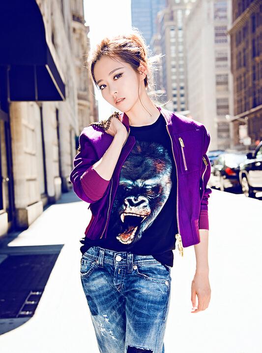 张靓颖纽约街拍潮味十足 率性不失女性柔美图片