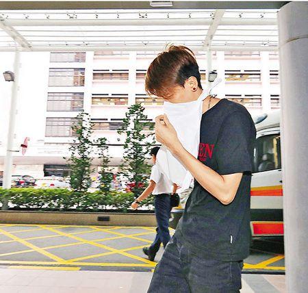 香港街头疑发生迷晕劫案 男子被人抢走50多部iPhone