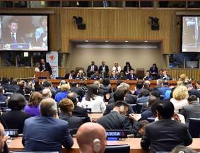 习近平出席全球妇女峰会并发表讲话