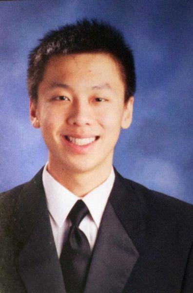 华裔学生在美被兄弟会霸凌致死 曾遭足球式毛刺虐待