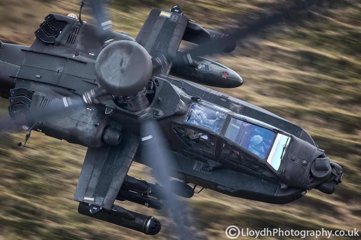史上最强悍角度拍武装直升机