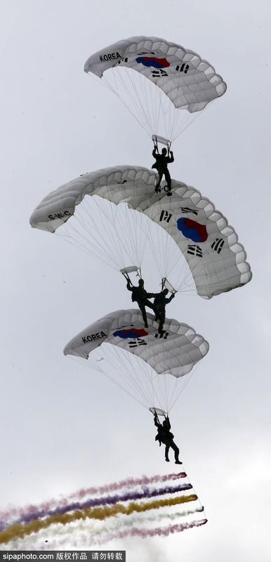 韩特种部队举行高技能演练迎接军人节