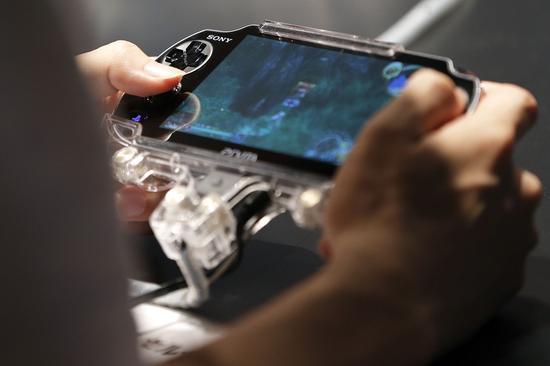 索尼PS Vita的对手是手游?或不像任天堂小而美