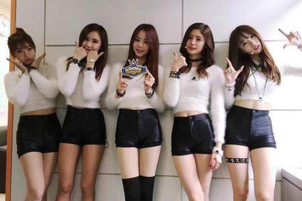 真的豪 王思聪游戏直播网站签下韩美女组合